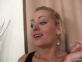 She rides her descendant in law cock