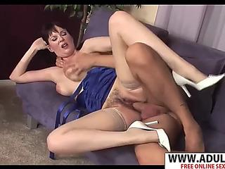 Juvenile nurturer tina tyler gives blow job well touching step son