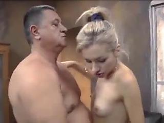 Hot reahead wife enjoys multiple creampies on wifesharing666com